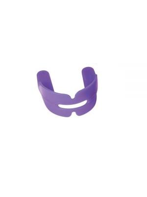 Gutiera pentru  sportivi cu aparat dentar.